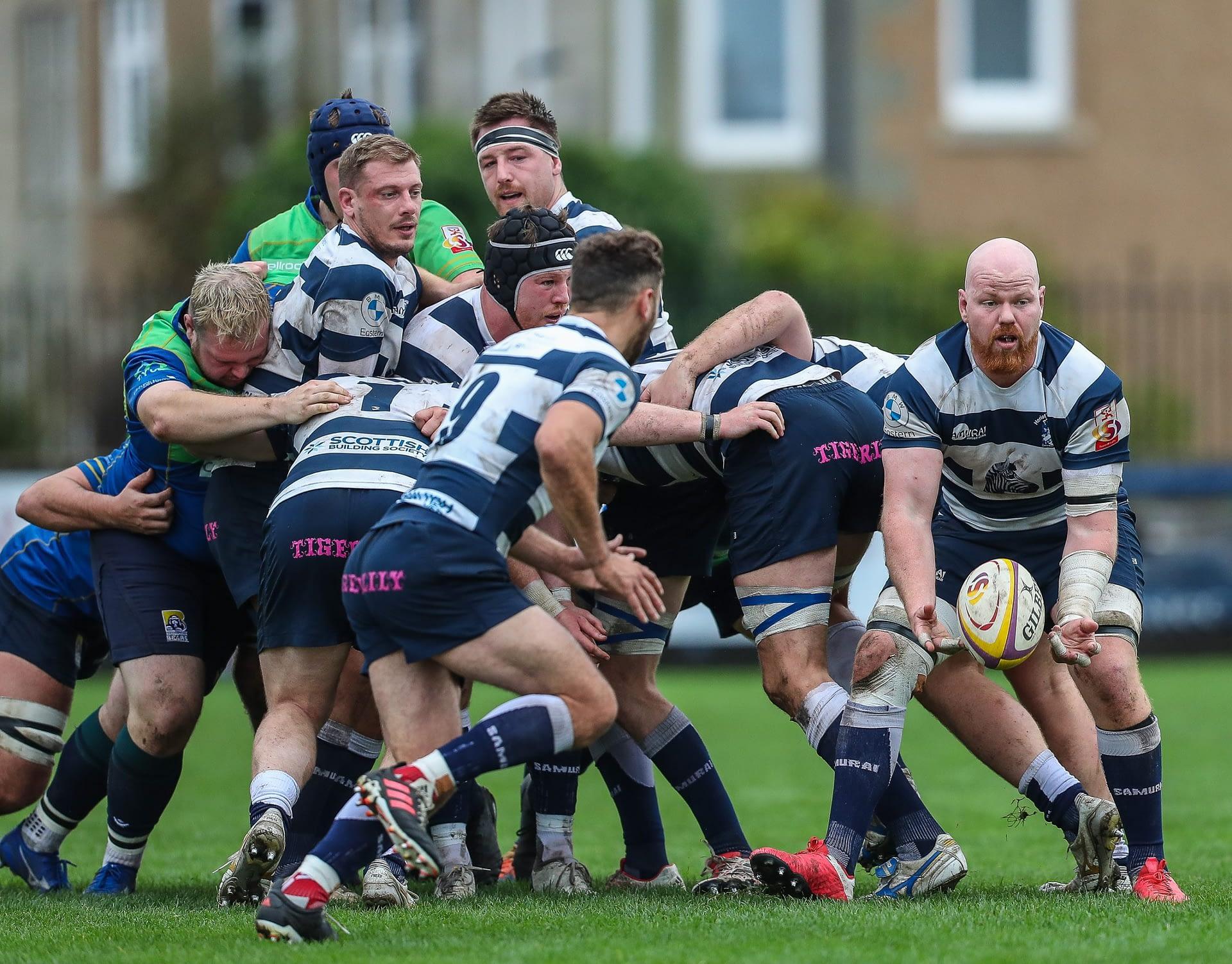 Heriots Jason Hill pops a pass to  Lloyd Wheeldon FOSROC Super 6 match between Heriot's Rugby and Boroughmuir Bears at Goldenacre, Edinburgh on 09/10/2021. (Photo: 39 Design Photography)
