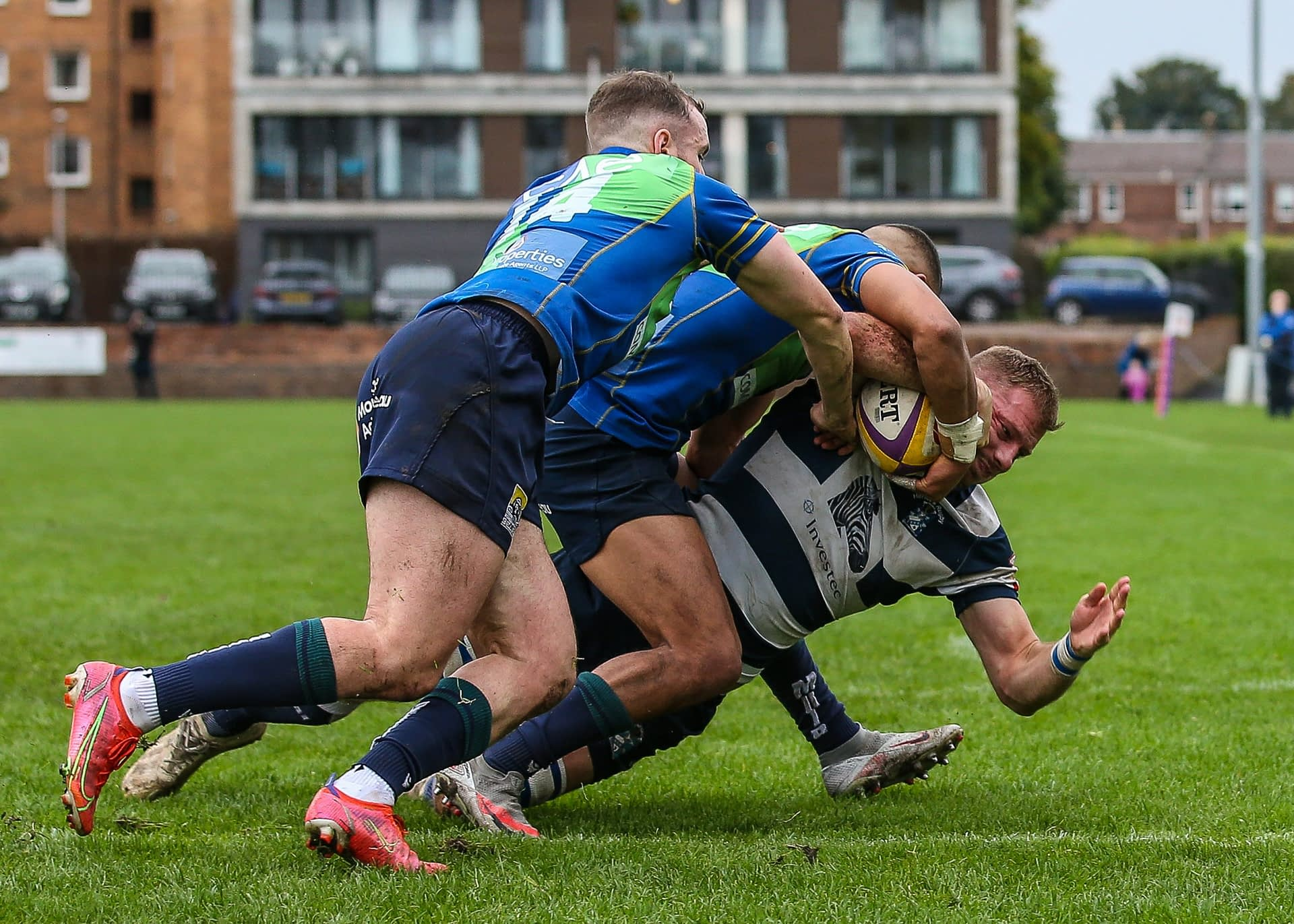 Boroughmuirs Kaleem Barreto and Callum Ramm tackle Heriots Captain Iain Wilson just short of the try line .FOSROC Super 6 match between Heriot's Rugby and Boroughmuir Bears at Goldenacre, Edinburgh on 09/10/2021.   (Photo: 39 Design Photography)